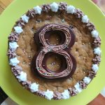 Cookie cake 8 eight