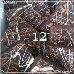 12 Chocolate Deluxe Brownies